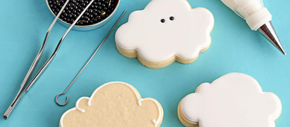 How to make cloud cookies: by Lisa the Bearfoot Baker.